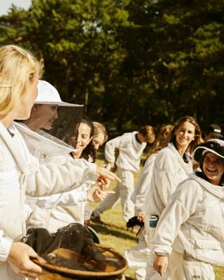 Guerlain Women For Bees ©Marie Rouge
