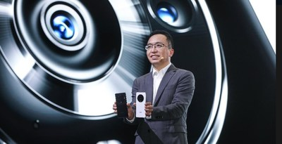 HONOR's CEO George Zhao with the new HONOR Magic3 Series flagship smartphones.